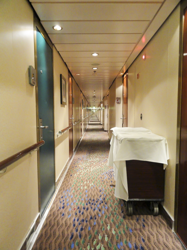 cruise-ship-hallway