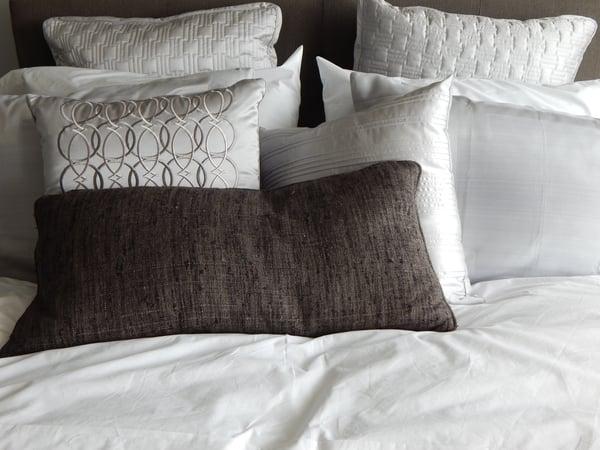 bed-bedding-comfort-272050