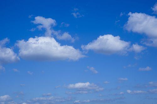 clouds-2666375_1280