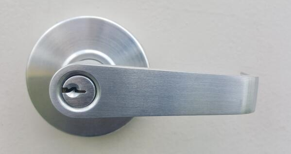 entrance-key-door-handle-lock-keyhole-653551-pxhere.com