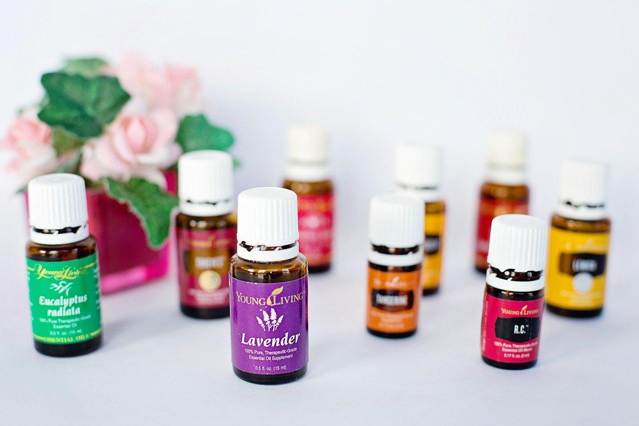 essential-oils-1958551_1280