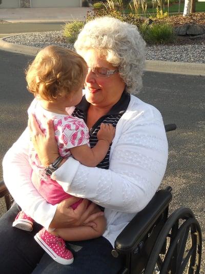 grandma-1208435_1920