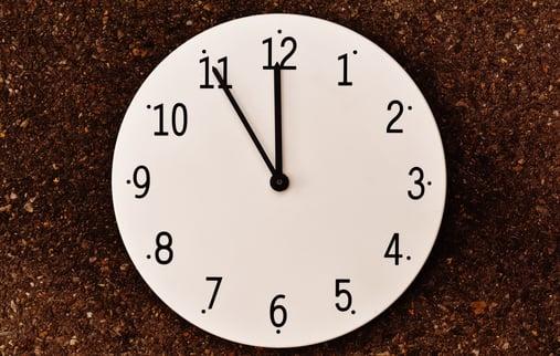 hand-clock-time-number-alarm-clock-furniture-793177-pxhere.com