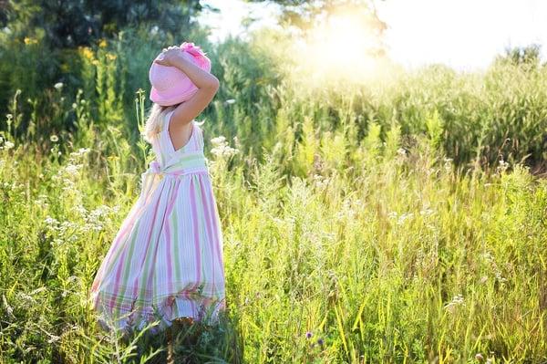 little-girl-2516582_1280