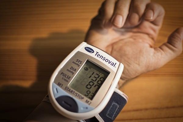 www.maxpixel.net-Measure-Health-Blood-Pressure-Blood-Pressure-Monitor-3773347